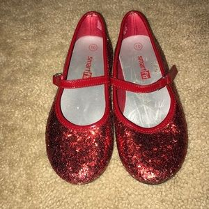 Wizard of oz Dorothy Ruby red shoes